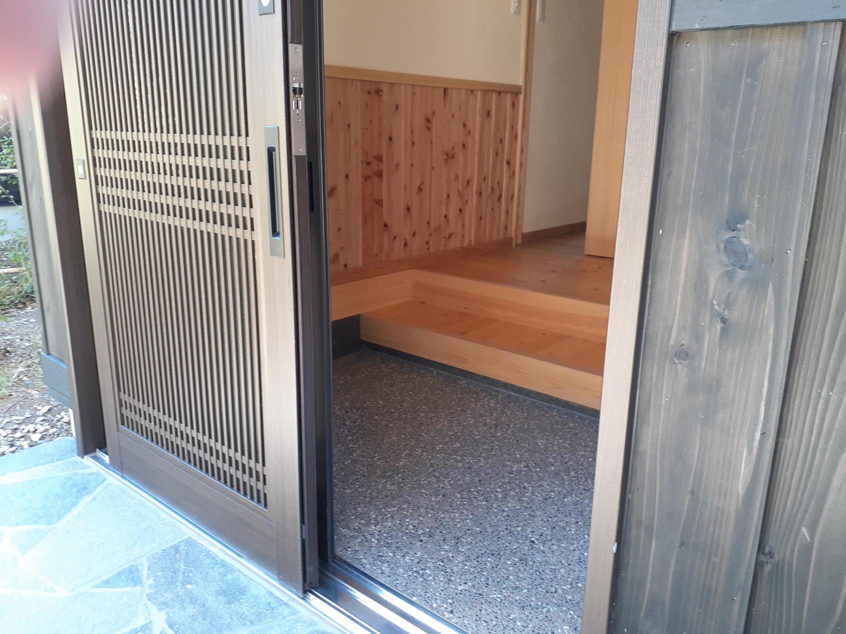 玄関の段差-1