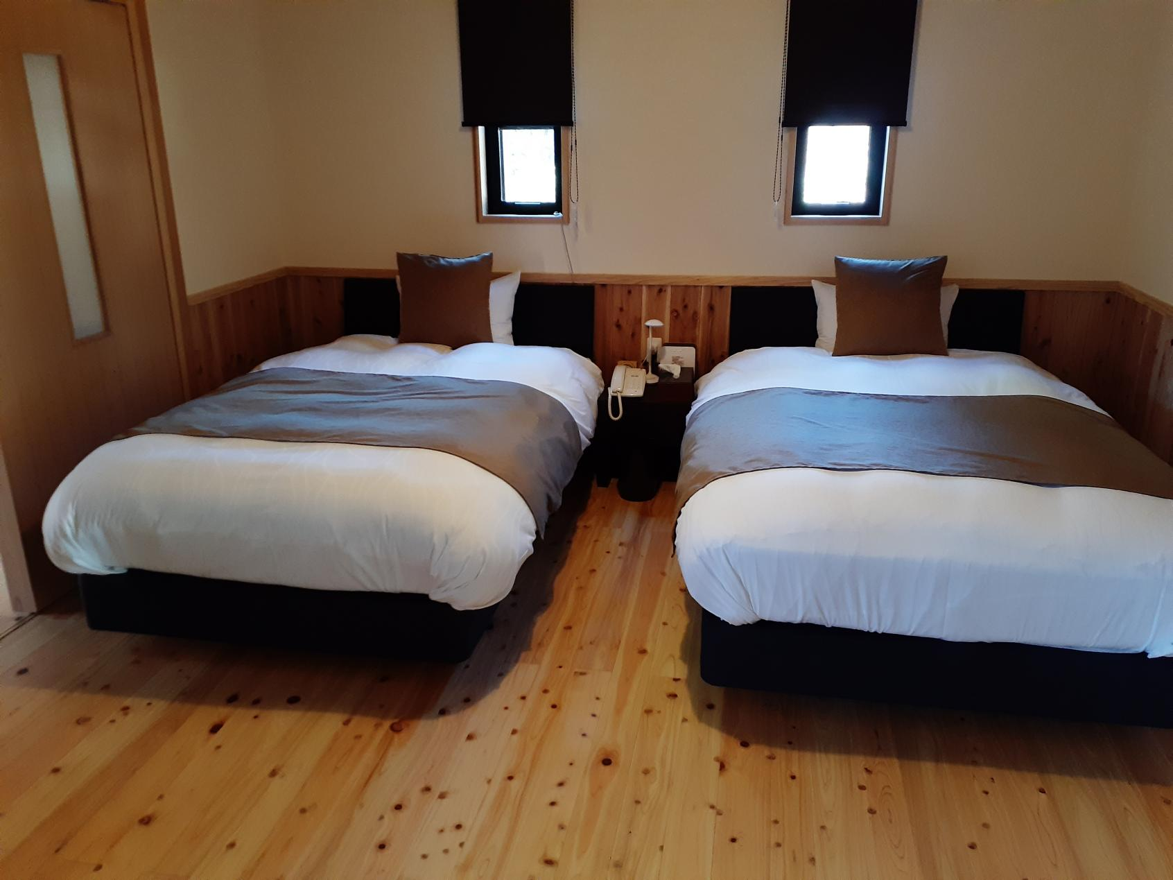 寝室のツインベッド-3