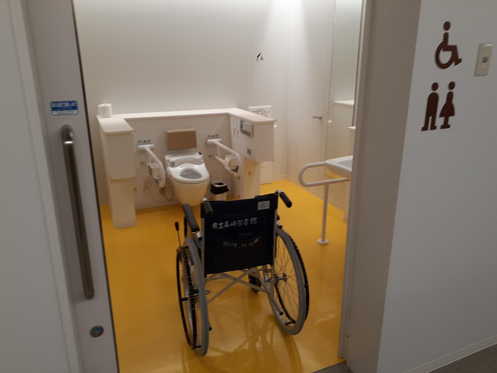 トイレのドア開放-1