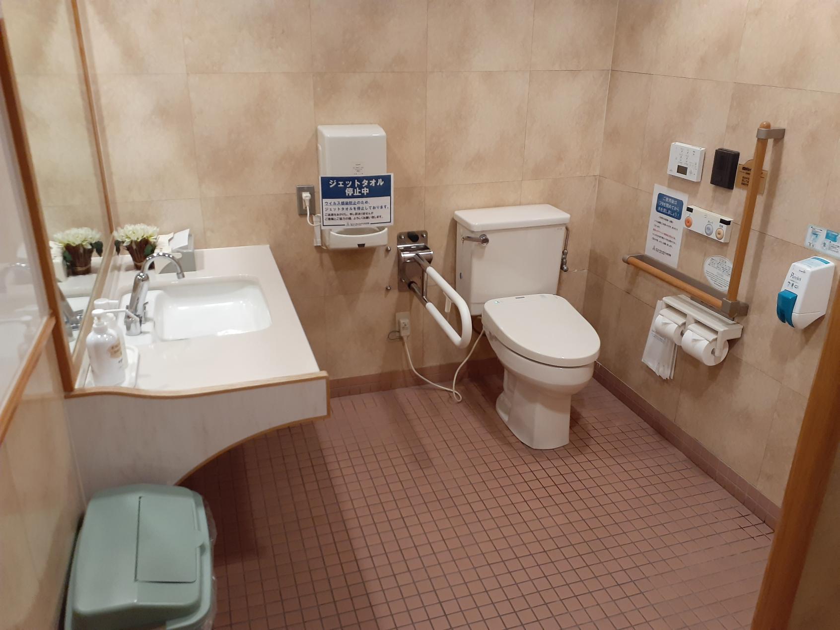 多目的トイレ内部②-3