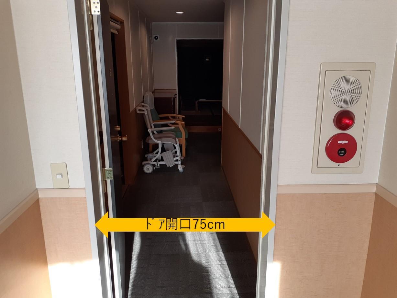 客室入口-1