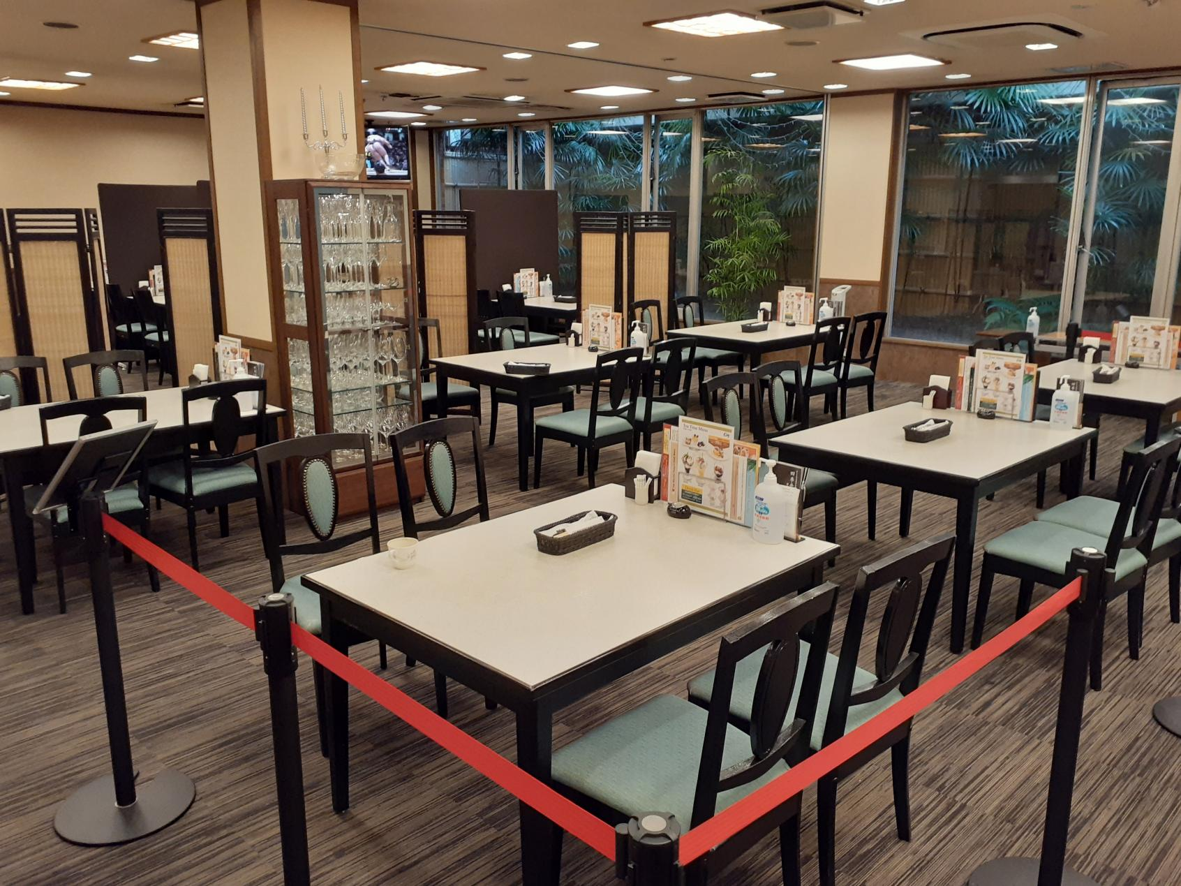 レストラン内観②-2