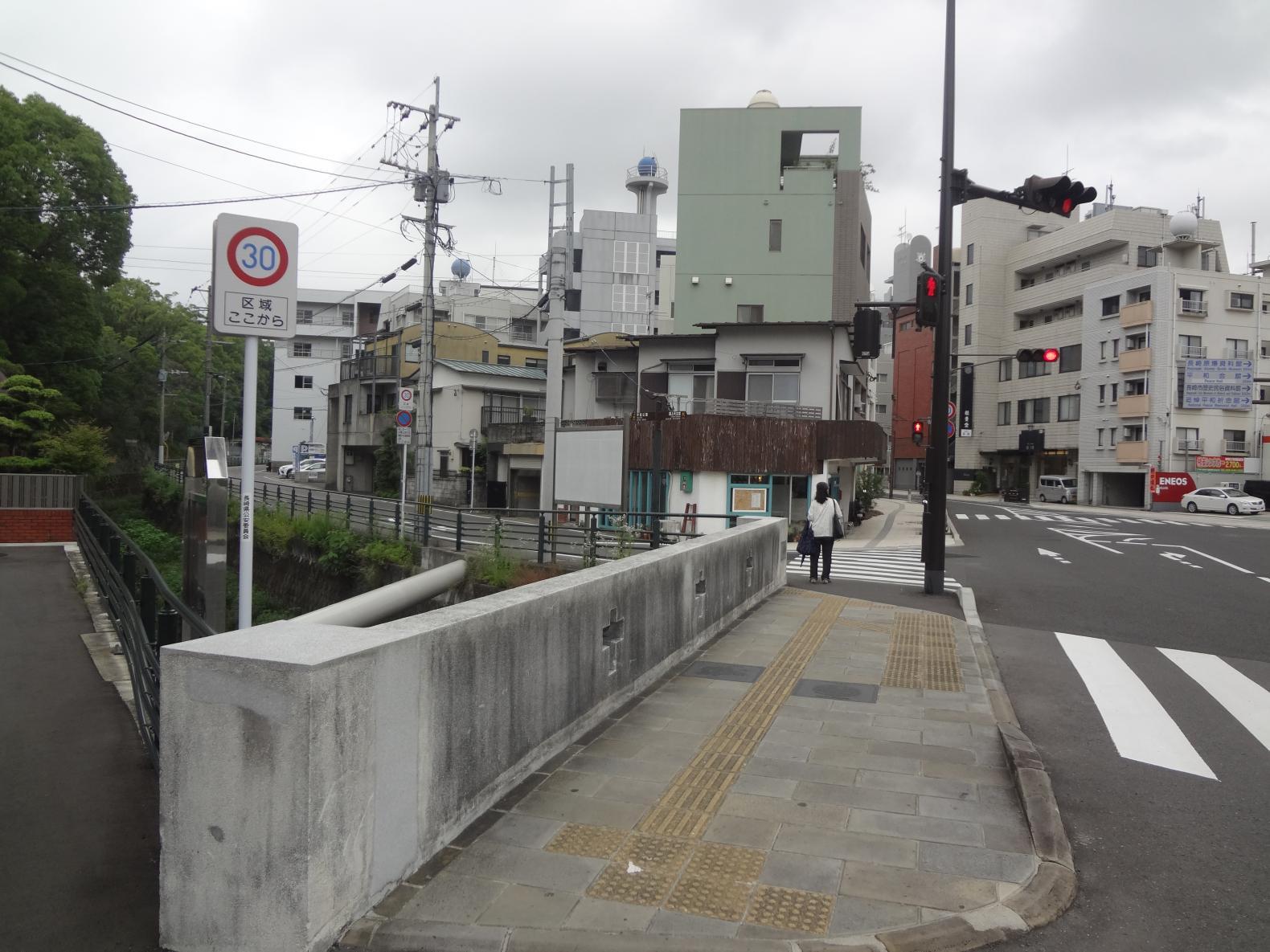 ③最初の信号の松山橋を左折!-2