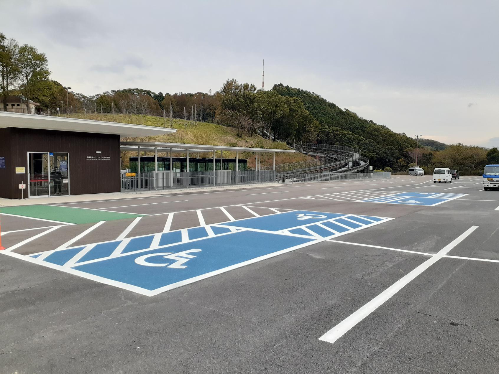 バリアフリー駐車スペース-1