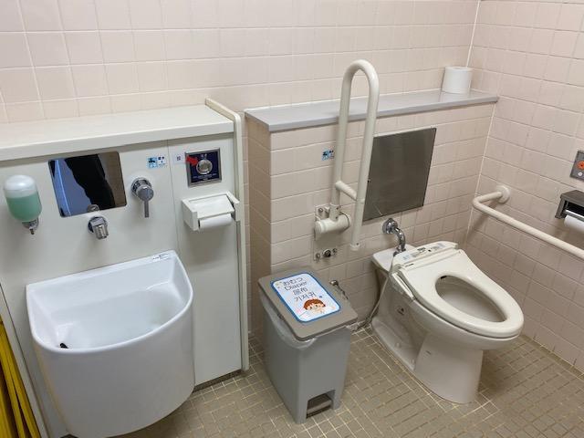 ペンギン館多目的トイレ②-3