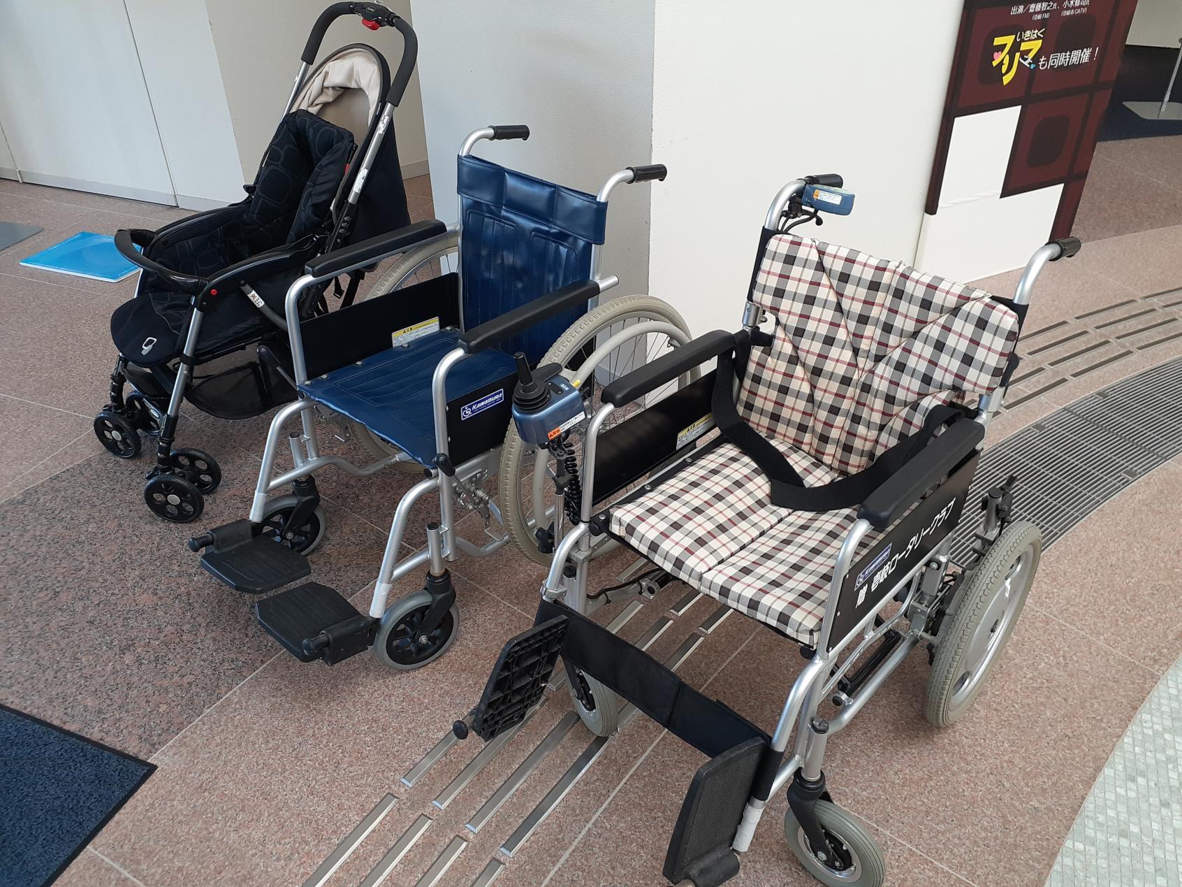 電動と手動の車椅子、ベビーカー-0