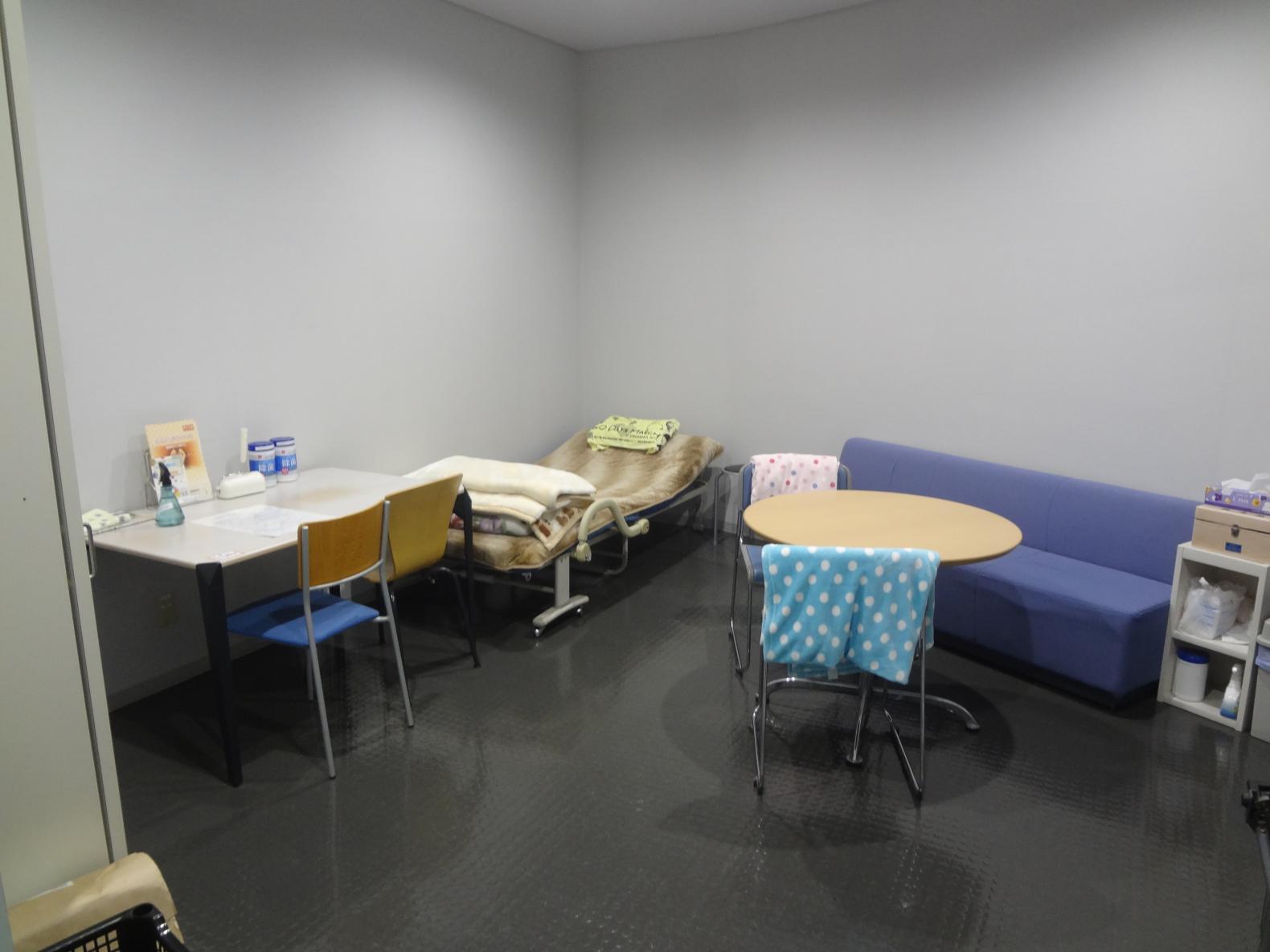 救護室内部-4