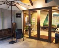 カフェ入口-1