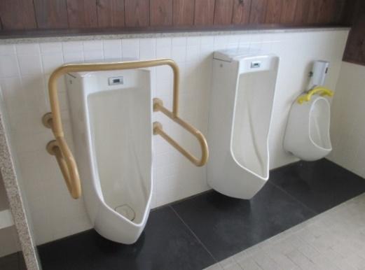 男性トイレ小便器-2