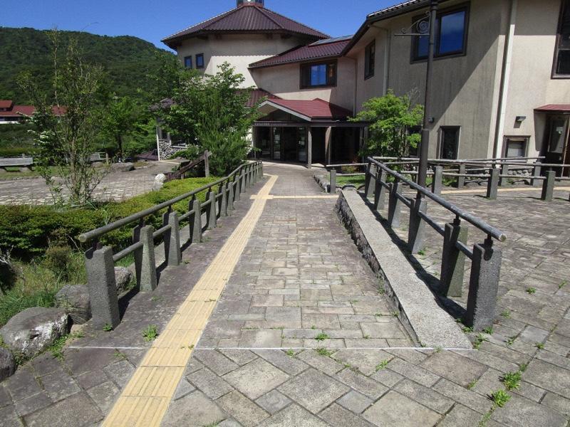 玄関前のスロープ-1