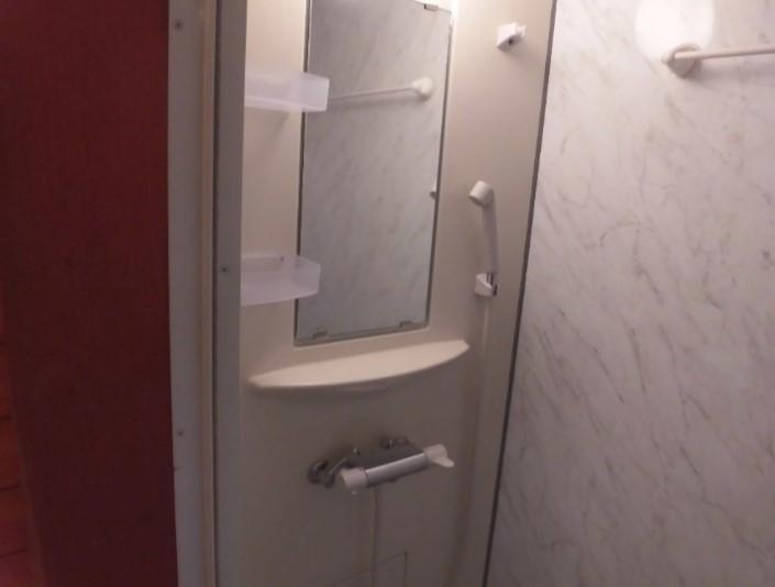 客室シャワー-2