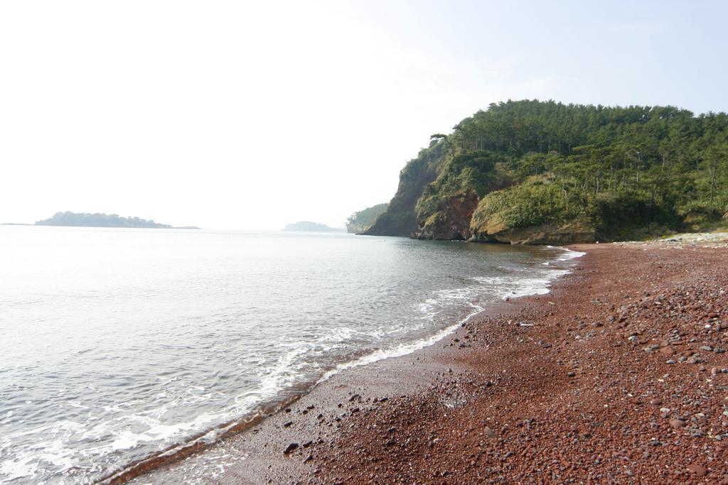 Akahama Red Coast-1