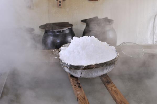 塩工房見学と塩豆腐作り-2