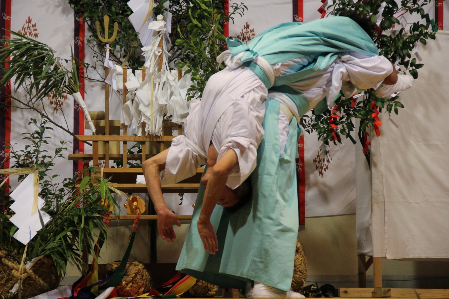 Iki Kagura (Shinto Theatrical Dance of Iki Island)-2