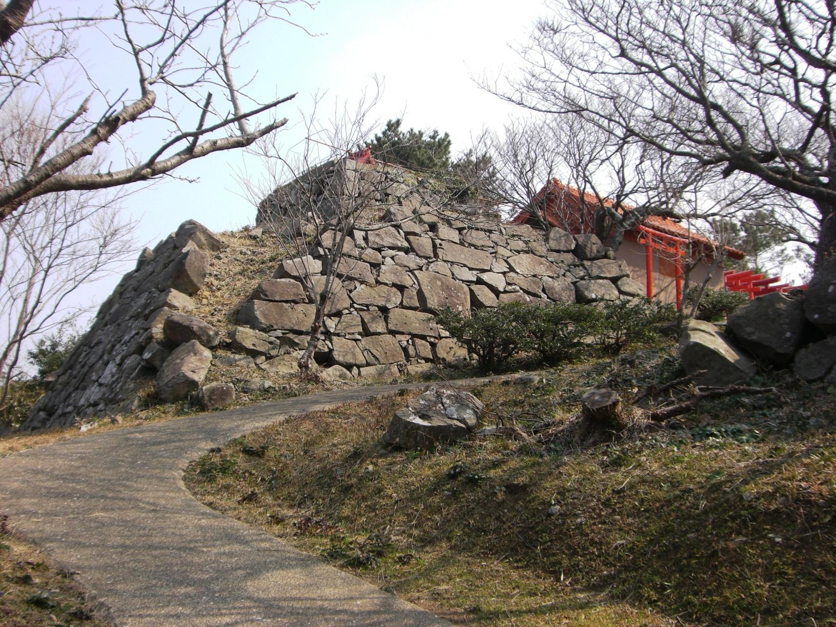 Site of Katsumoto Castle-1