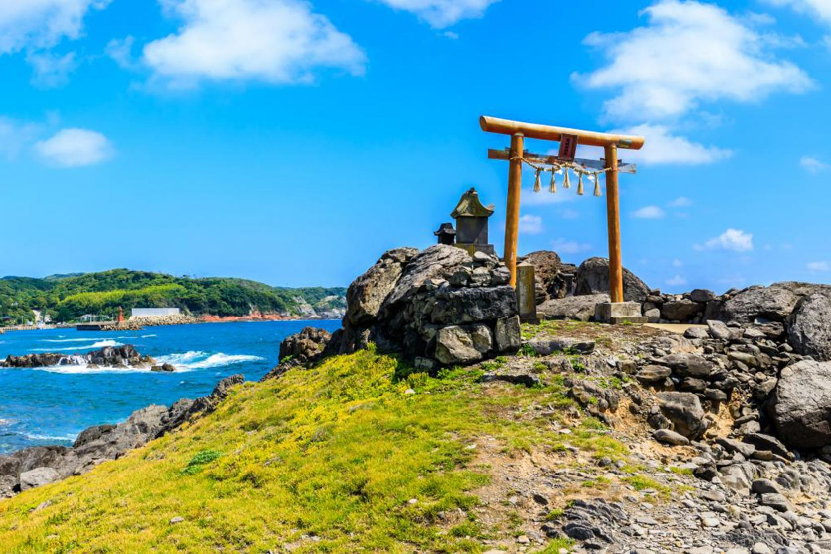 Cape Ryujin (Ryudajin Shrine)-1