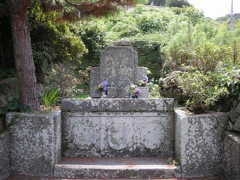 五官の墓-1