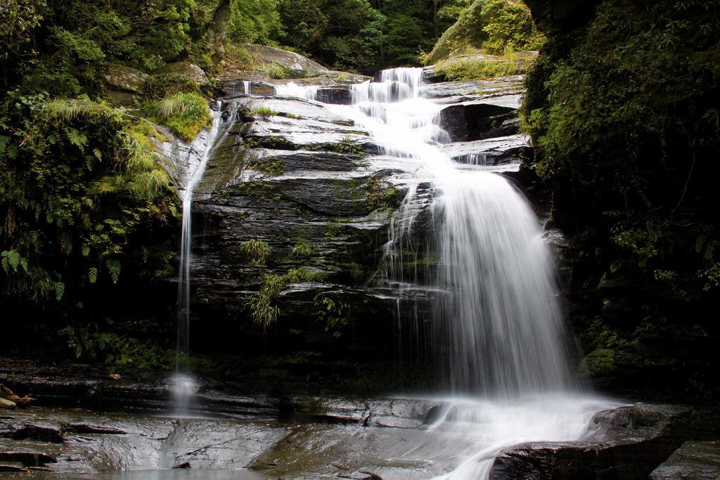つがね落としの滝-1