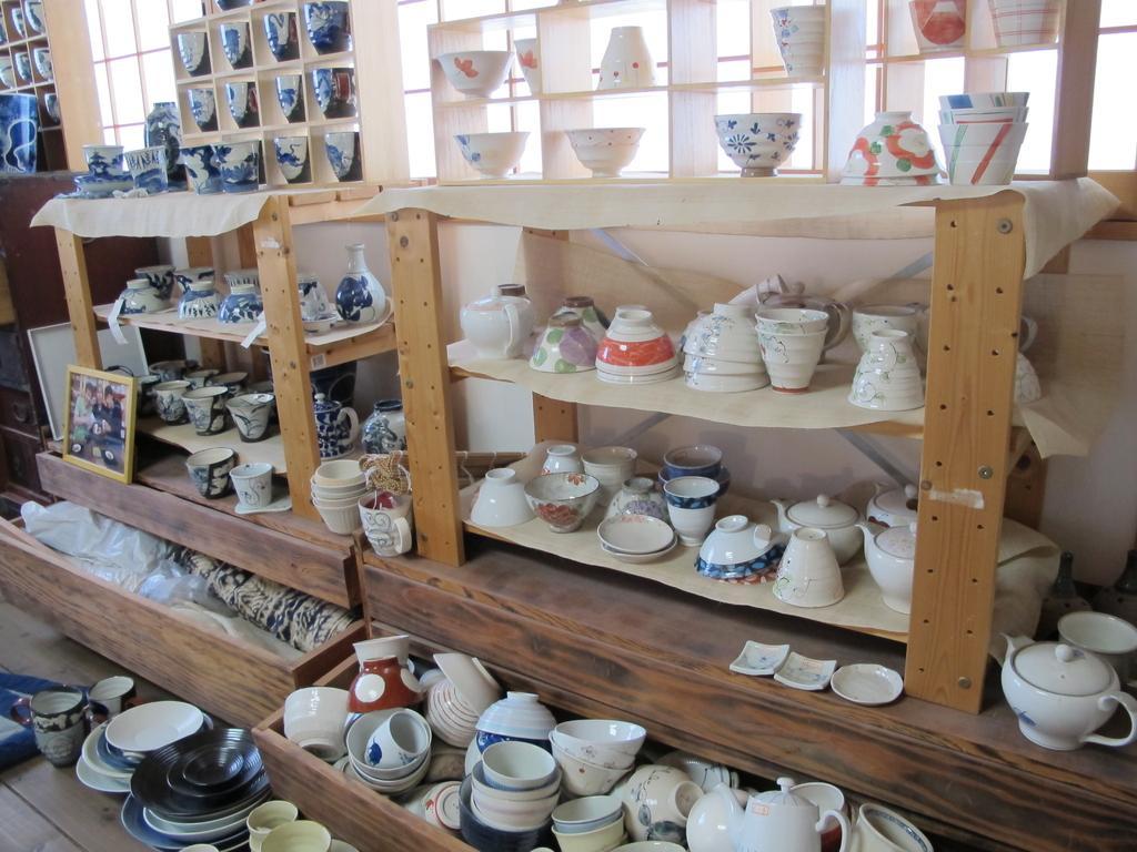 Hasami Ceramics Hall-2