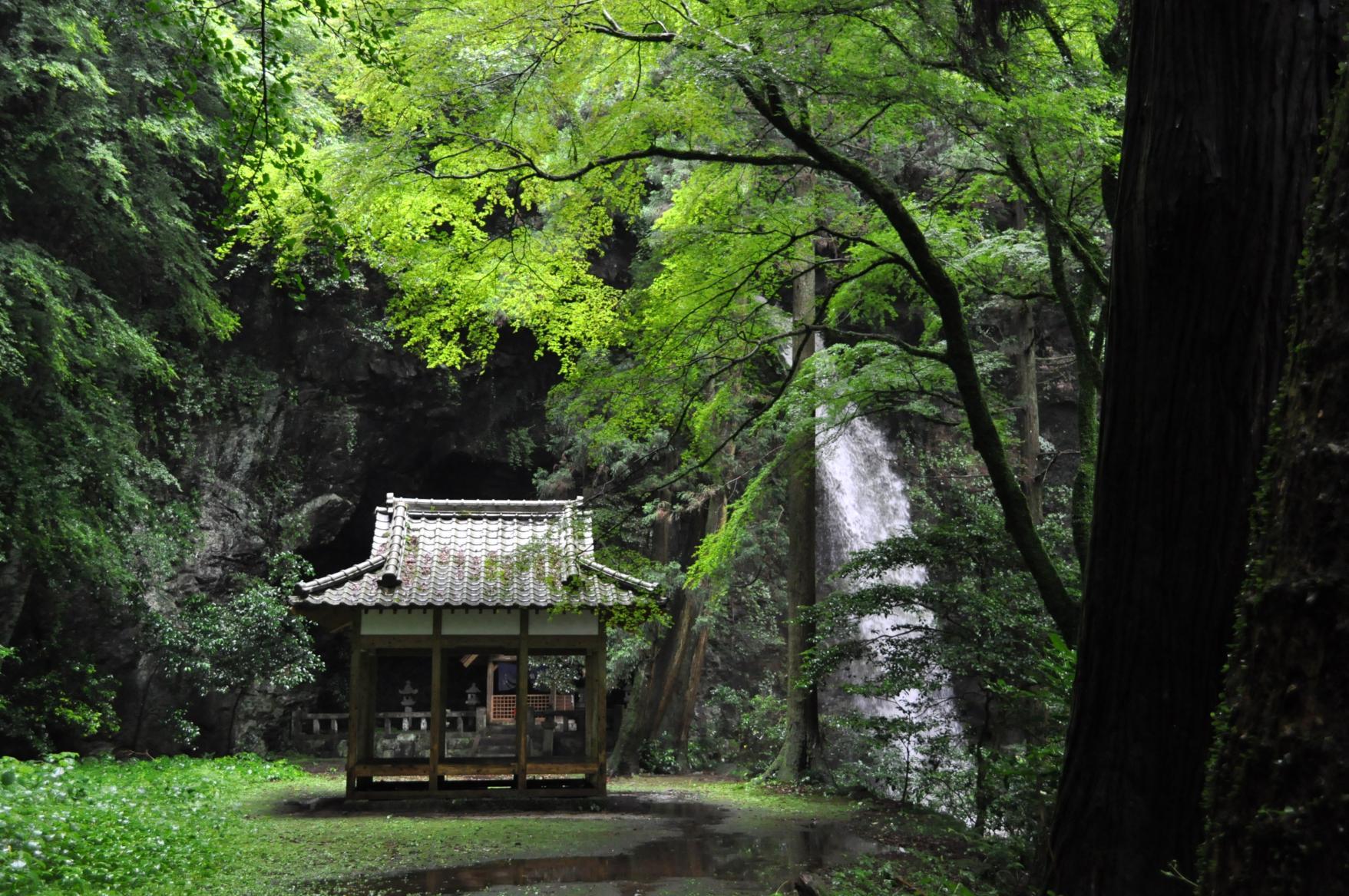이와도 신사 (岩戸神社)-1