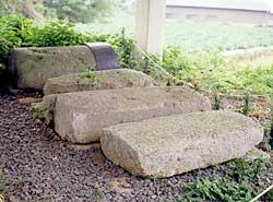 切支丹墓碑-1