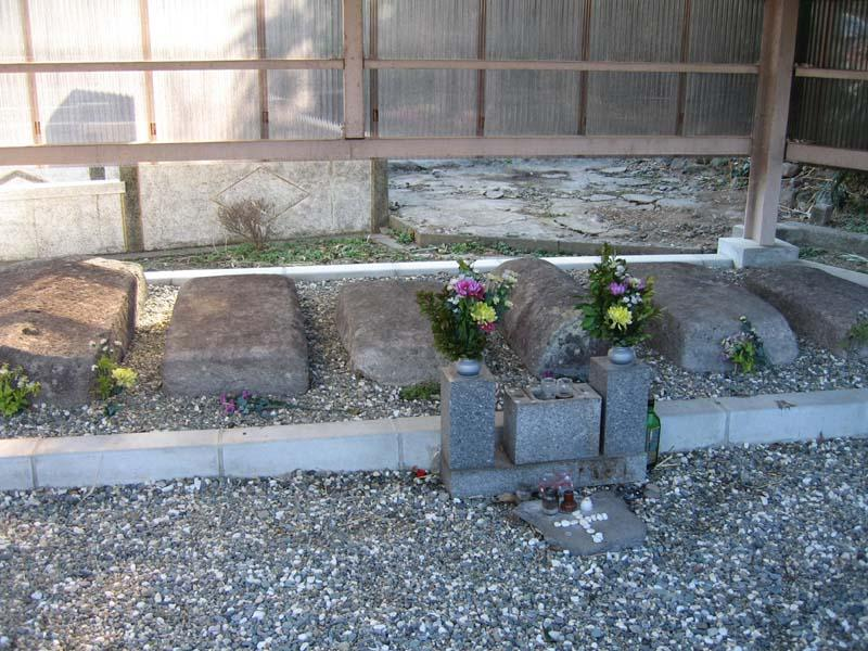 布津キリシタン墓碑群-1