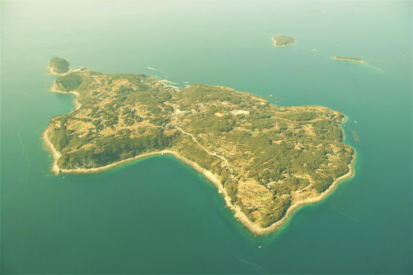 Villages on Kuroshima Island / Villages dans l'île de Kuroshima-1