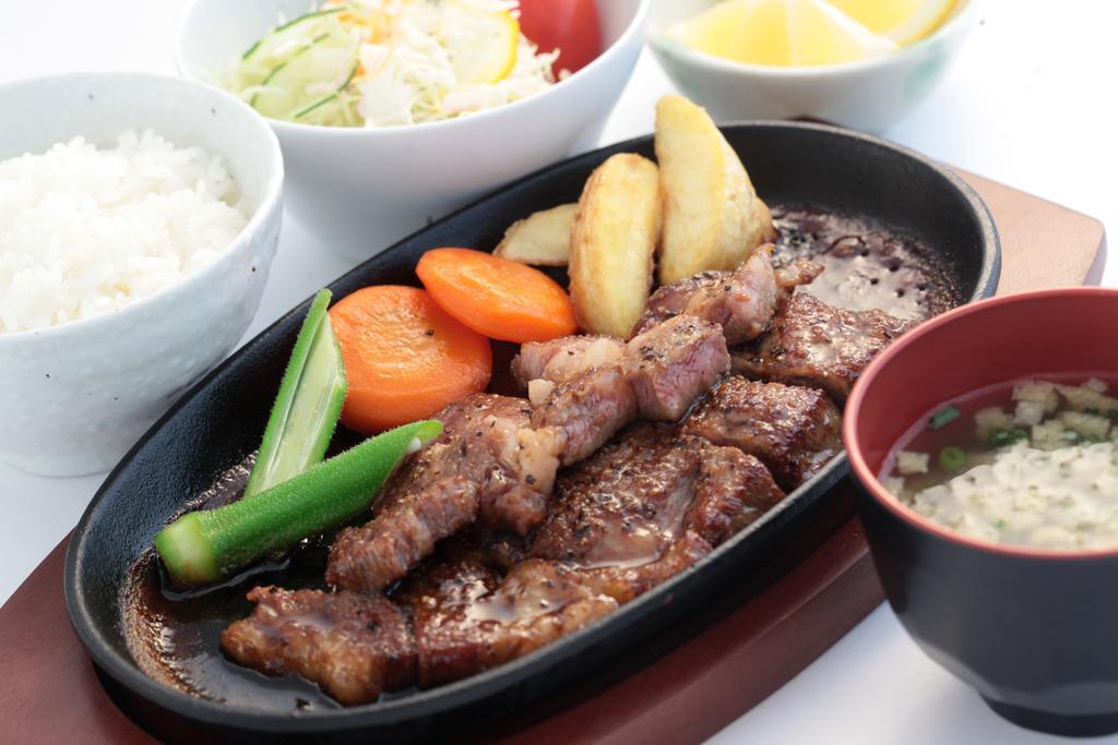 平戸瀬戸市場レストラン-2