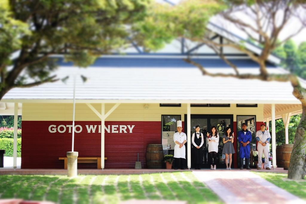 五島ワイナリー、醸造場見学とワインのテイスティング-1