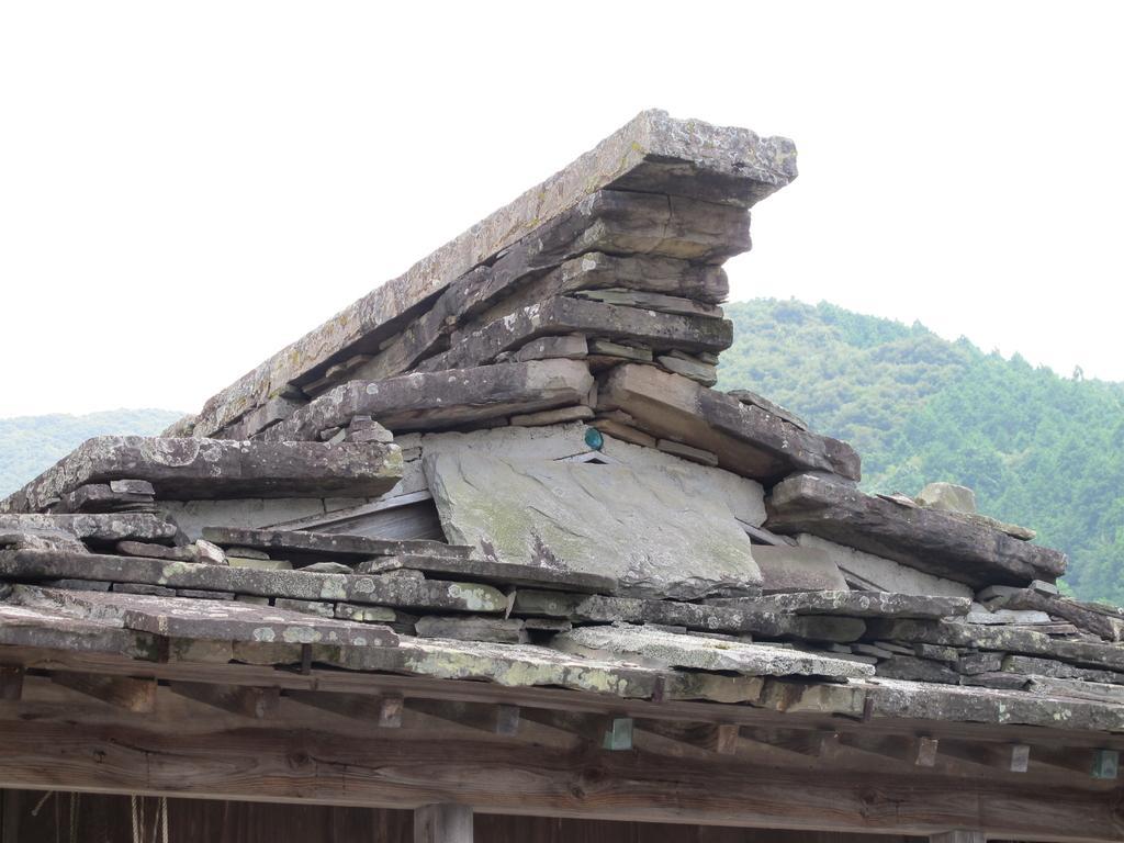 石屋根倉庫-2