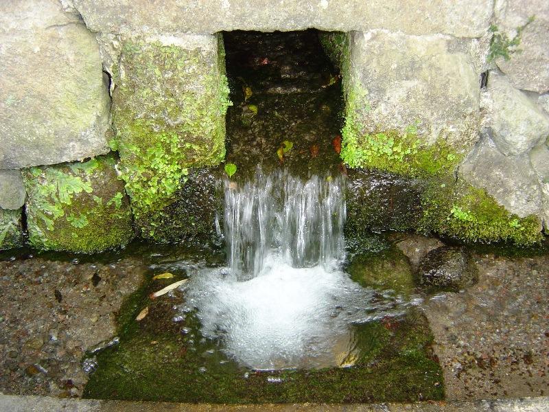 湧水スポット(量石)-1