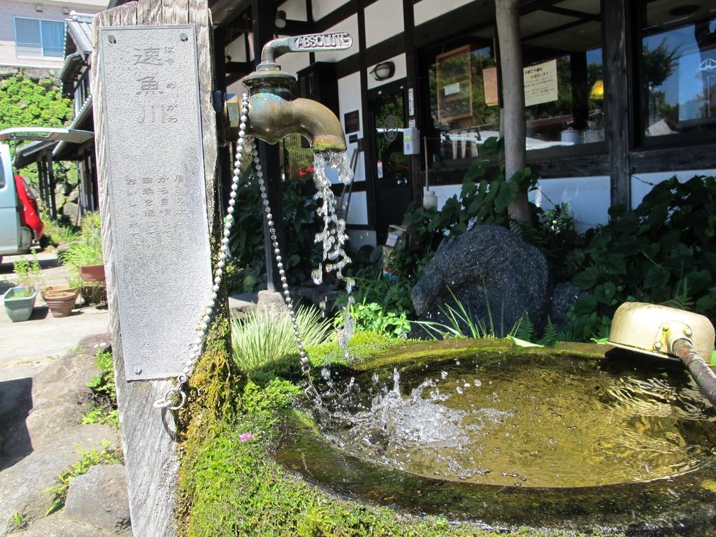 速魚川・猪原金物店-1